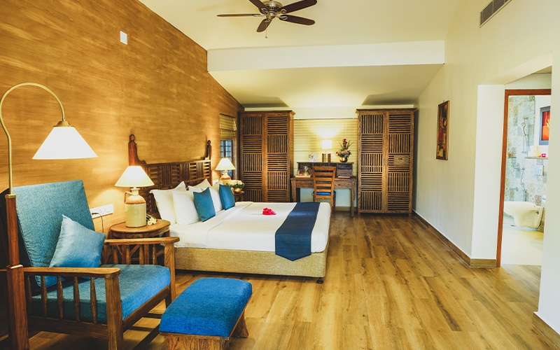 WELL-FURNISHED COTTAGES AND ROOMS